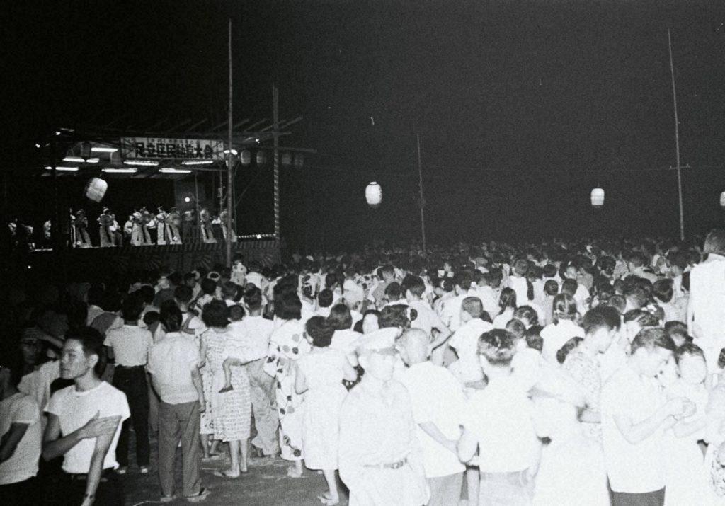 「区民納涼大会」(昭和32年(1957)千住)の画像。