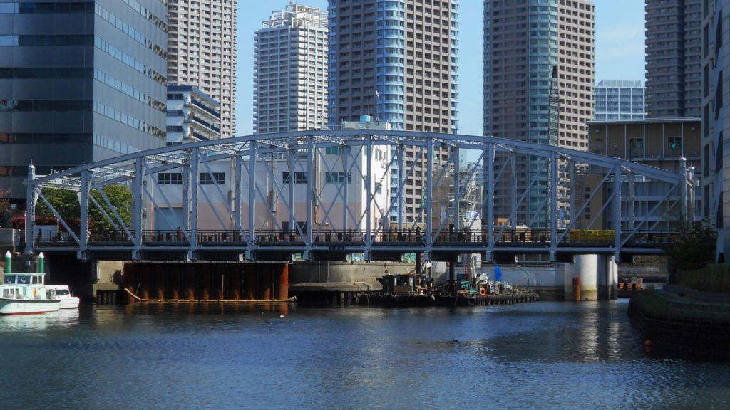 南高橋を横から見た画像。
