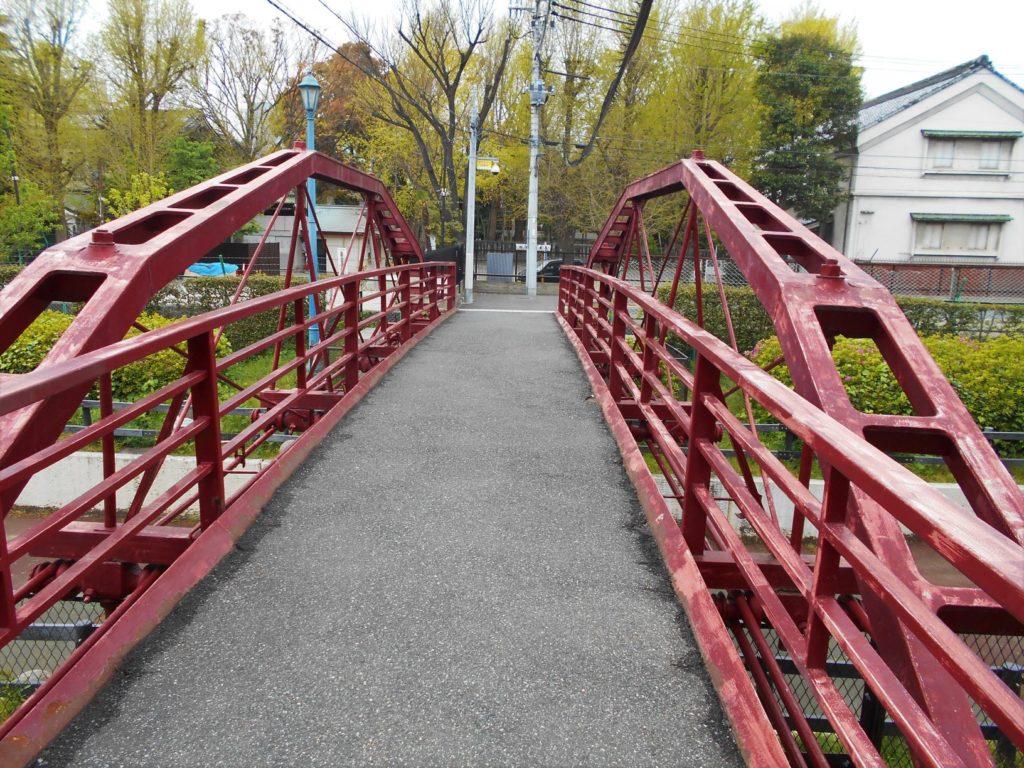八幡橋を東側から見た画像。
