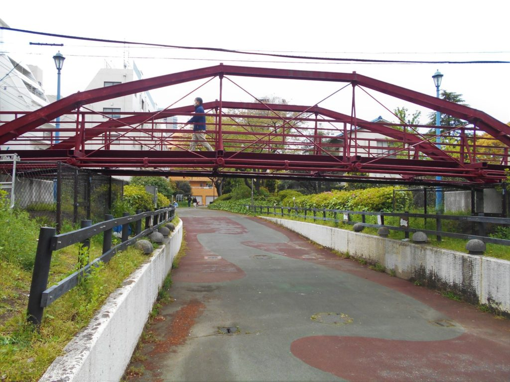 八幡橋を北から見た画像。