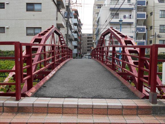 八幡橋(旧弾正橋)の画像。