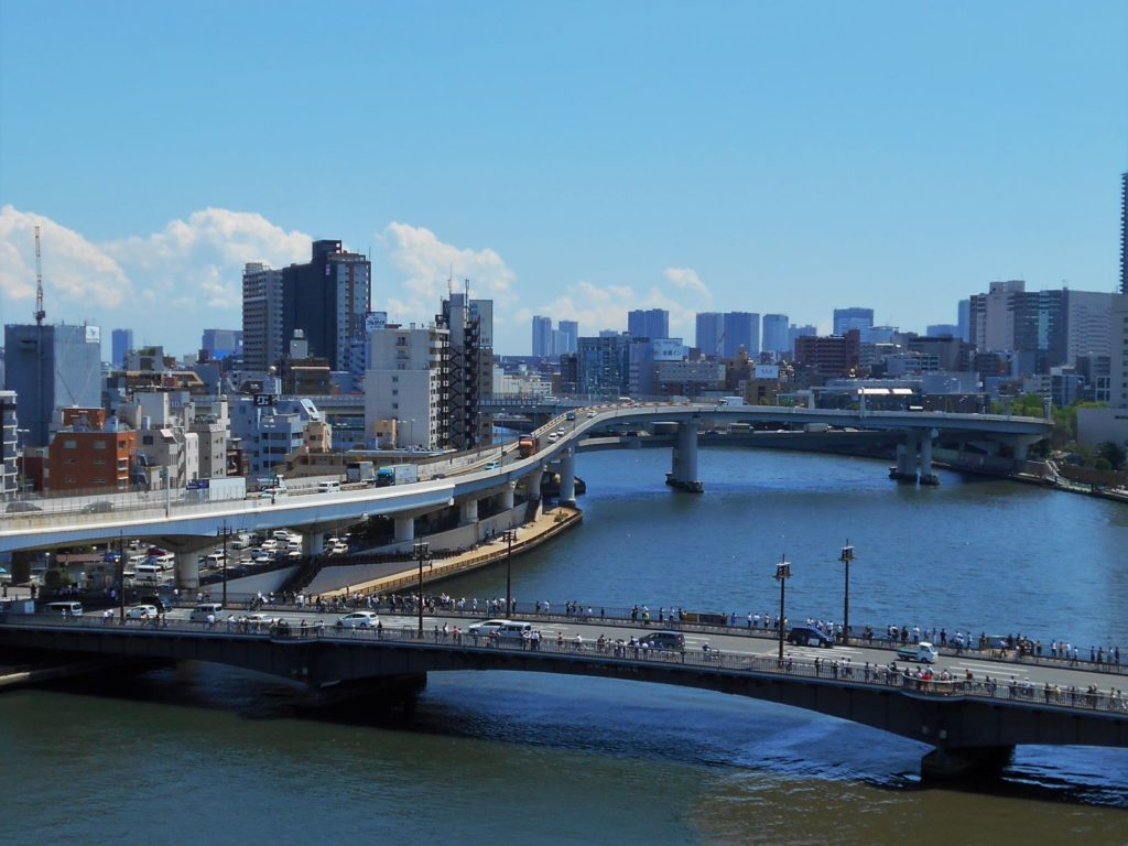 両国橋の見物人の画像。