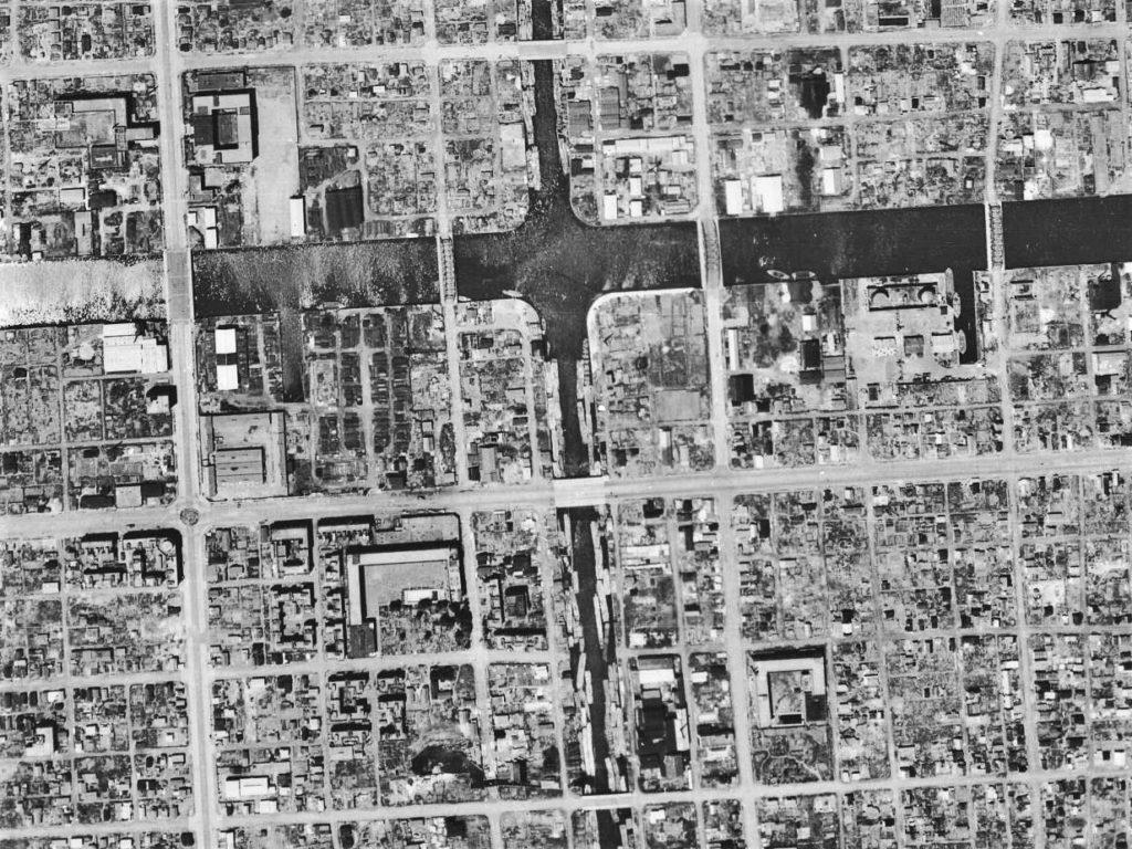 昭和21年の航空写真(USA-M377-70【部分】、国土地理院Webサイトより)の画像。