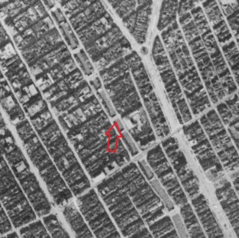 昭和19年撮影の空中写真(国土地理院Webサイトより、8921-C2-19 【高砂橋付近】に加筆)の画像。