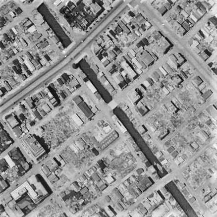昭和22年撮影空中写真(国土地理院Webサイトより、USA-M377-681947・7・24【緑橋部分】)に画像。