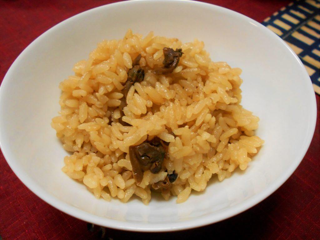 鮒佐の佃煮(あさり)で作った炊き込みご飯の画像。