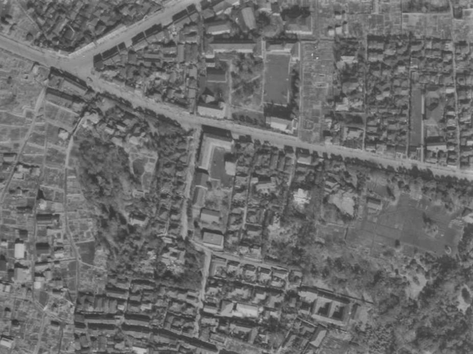 昭和23年撮影空中写真(国土地理院Webより、USA-M737-71〔部分〕)の画像。