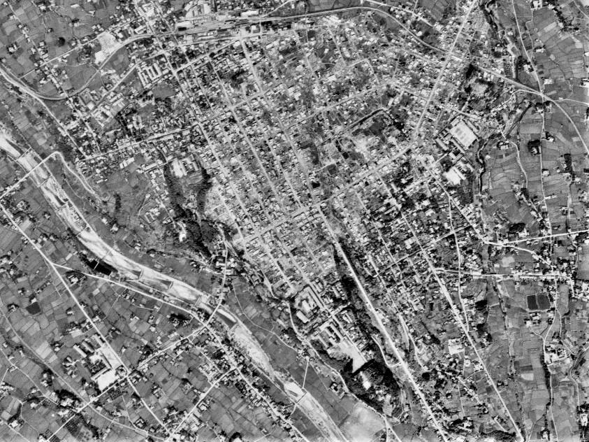 飯田市街、昭和22年撮影空中写真(国土地理院Webより、USA-R198-63 )の画像。