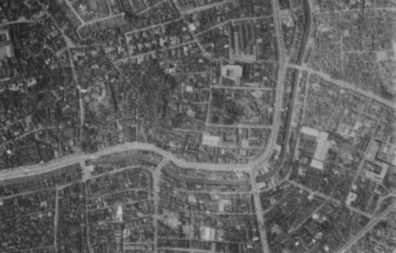 飯田藩下屋敷跡付近・昭和11年撮影空中写真(国土地理院Webより、B7-C1-17〔部分〕)の画像。