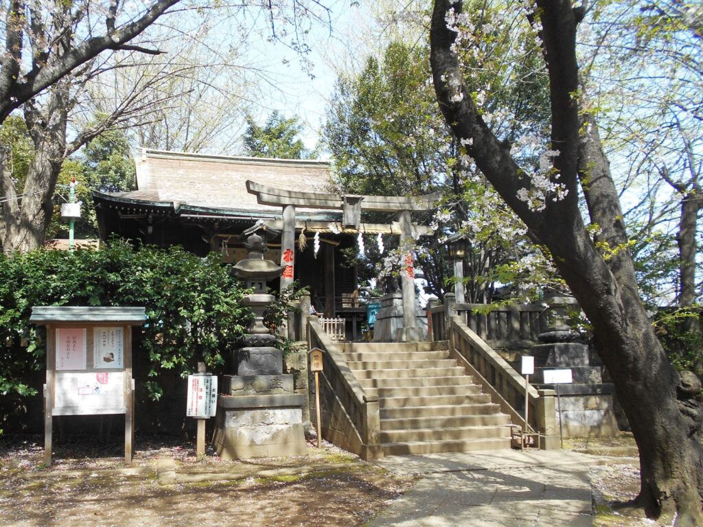諏方神社の画像。