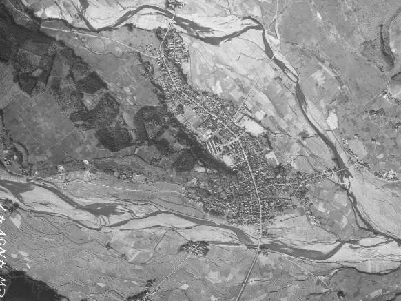 昭和22年撮影喜連川附近空中写真(国土地理院Webサイトより、USA-R483-102〔部分〕) の画像。