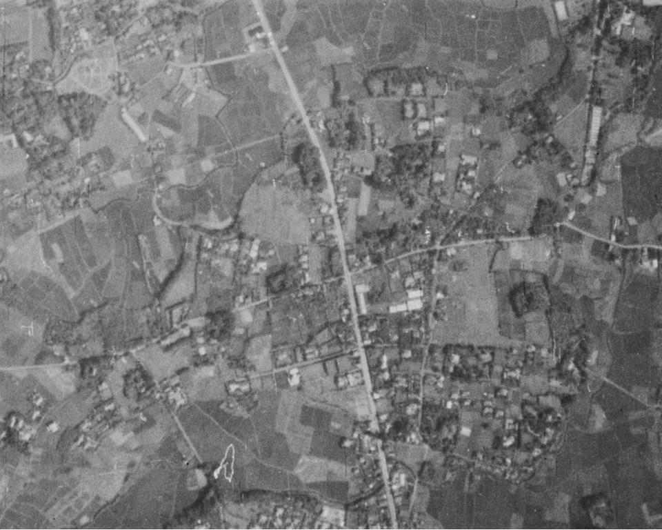 杉並区堀ノ内町、昭和11年撮影空中写真(国土地理院Webサイトより、B1-C2-58〔部分〕) の画像。