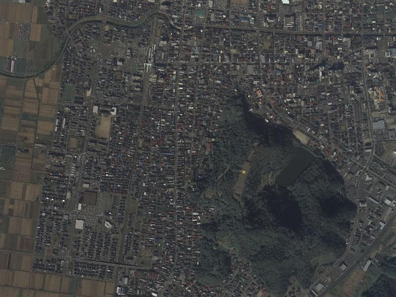 旧天童陣屋、平成19年撮影空中写真(国土地理院Webサイトより、CTO20073-C12-56〔部分〕)の画像。