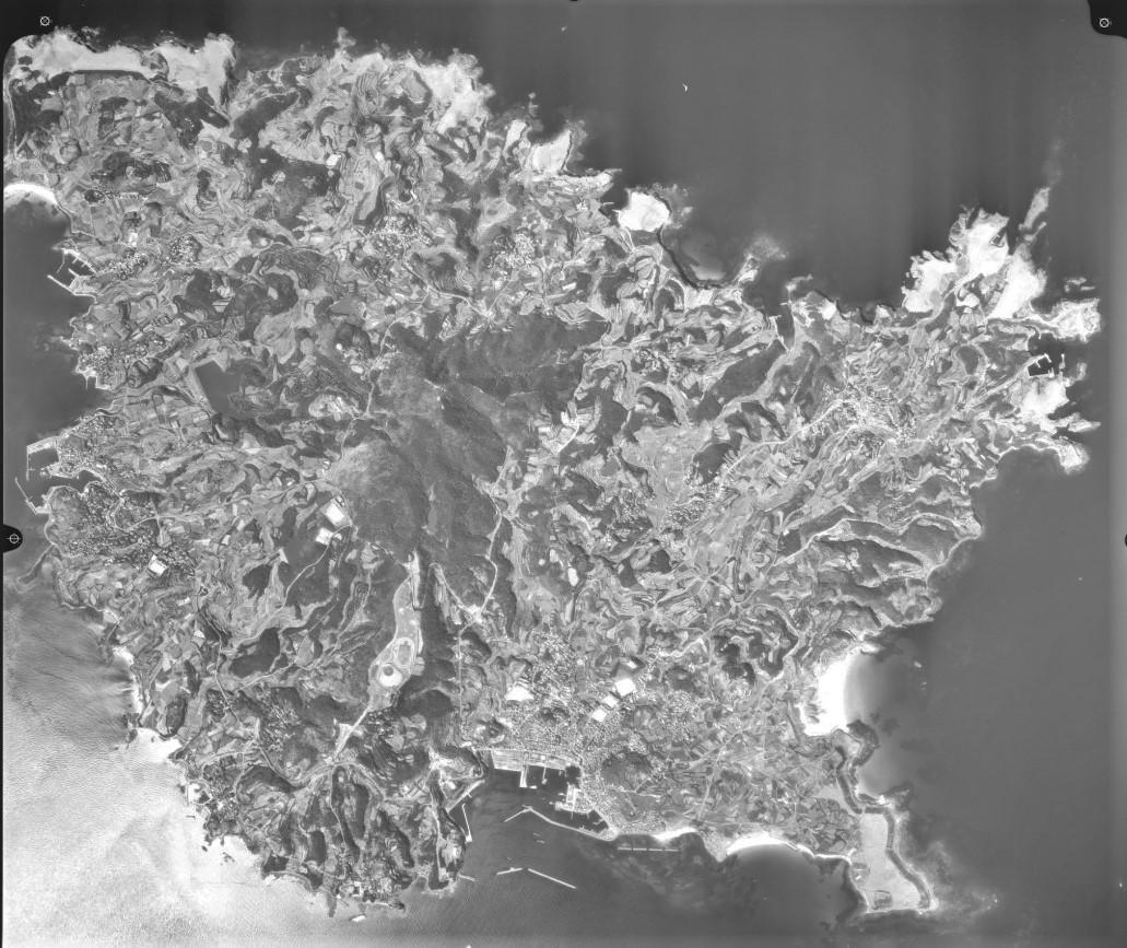 宇久島、平成13年(2001)撮影空中写真(国土地理院Webサイトより) の画像。