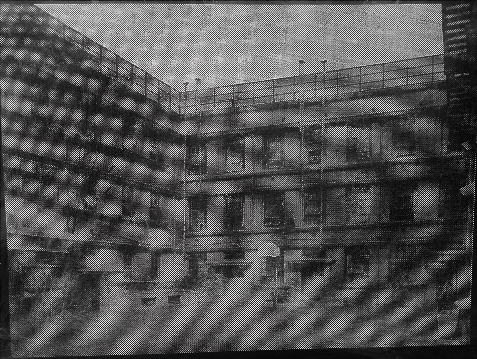 復興校舎(台東区設置案内板より)の画像。
