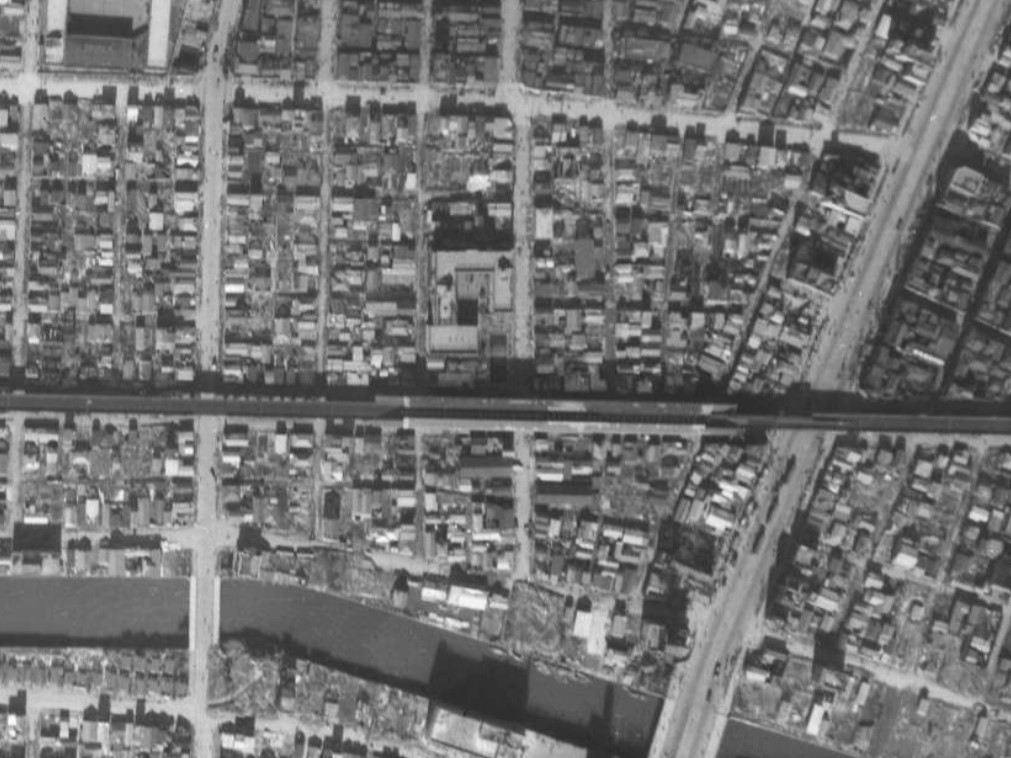 福井小学校周辺昭和21年撮影空中写真(国土地理院Webサイトより、USA-M69B-95〔部分〕) の画像。